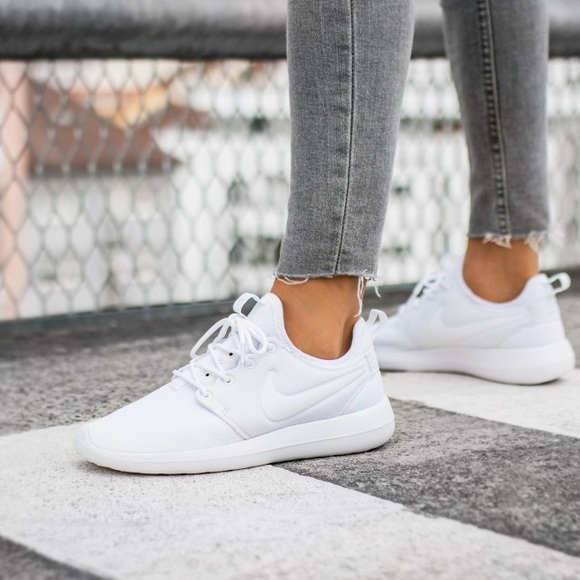 wholesale dealer 44163 a09a7 Nike Roshe Two Lace Up Sneakers. M 5a6667713afbbd67f0795bdc